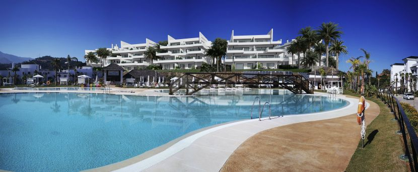 New development of luxury contemporary apartments is just 800m from Estepona