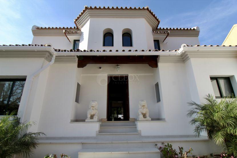 Villa recientemente reformada en casco urbano de San Pedro de Alcántara