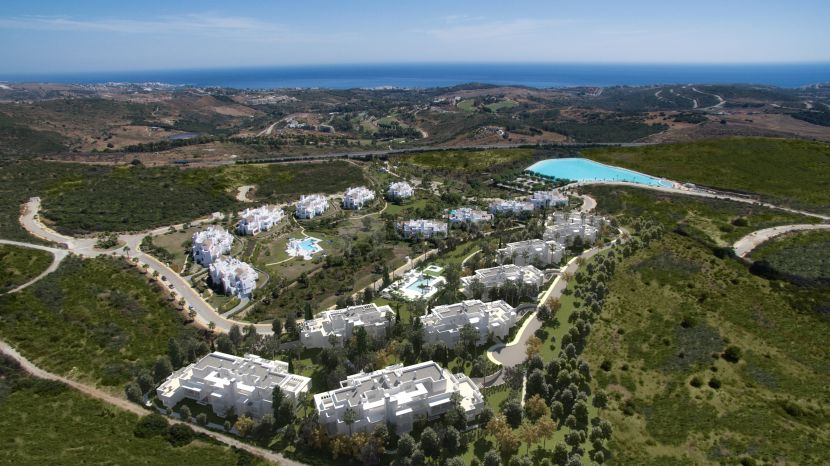 An exclusive residential development with the first Crystal Lagoons to be built in Europe