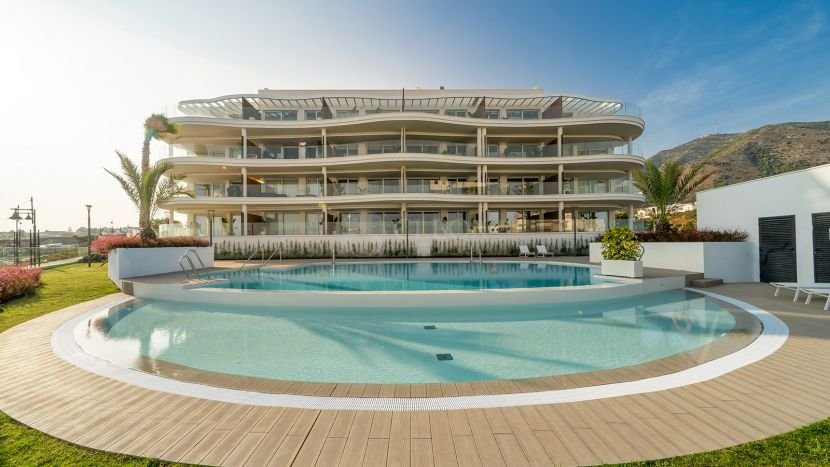 New beachside apartments with an innovative and state-of-the-art design, 400 m to the sea