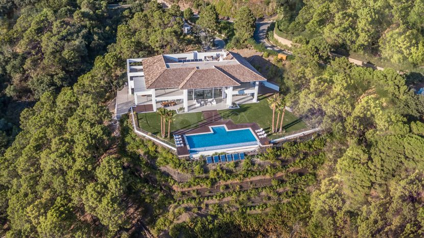 A contemporary villa for sale in La Zagaleta, the most exclusive urbanization in Costa del Sol