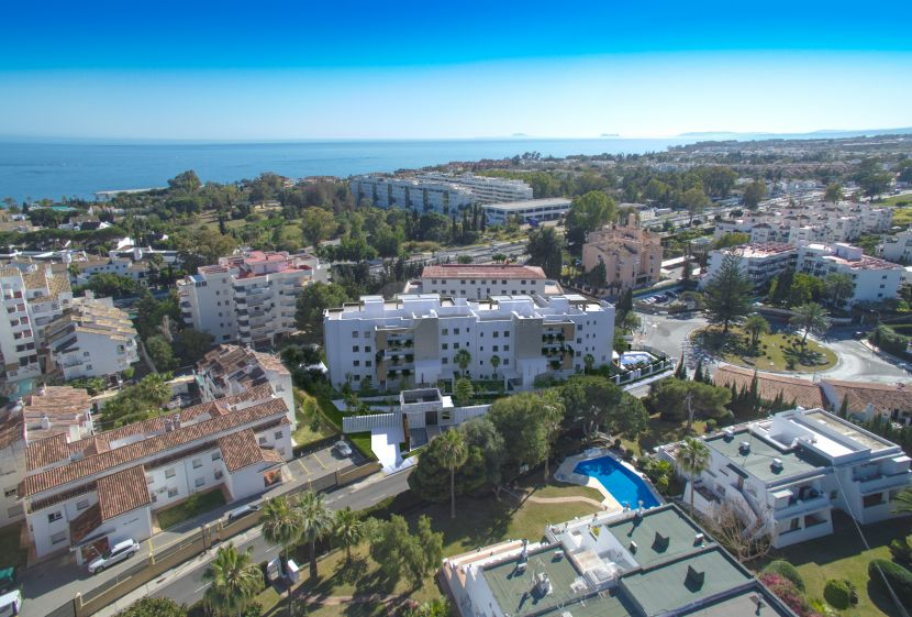 New developments of contemporary apartments and penthouses for sale in Marbella, next to Puerto Banus.