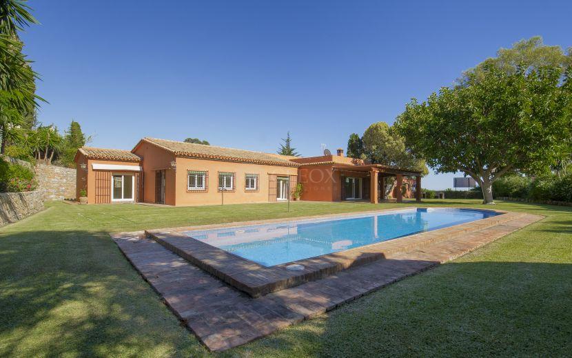 Villa for sale in Fuente del Espanto, San Pedro de Alcantara