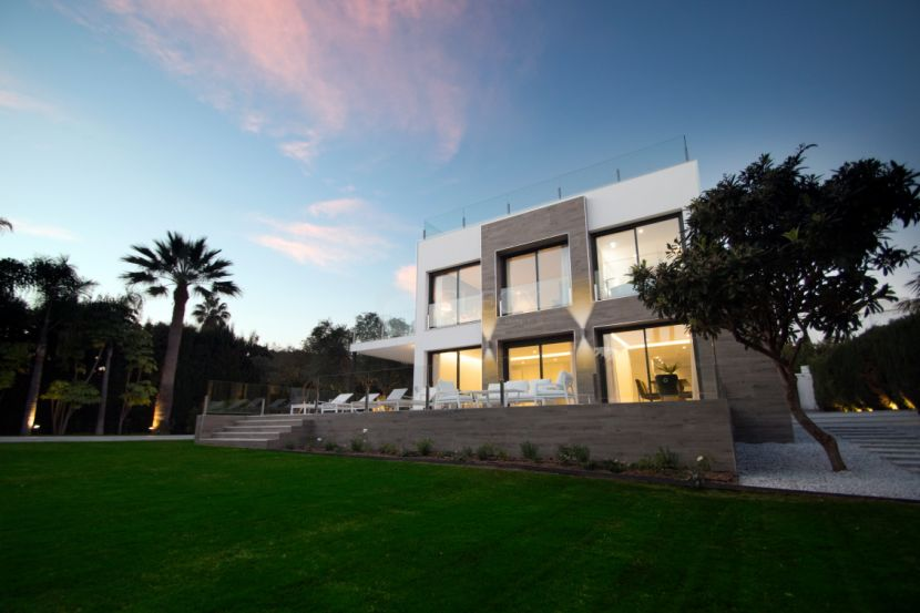 Villa for sale in Lagomar, Nueva Andalucia, Marbella