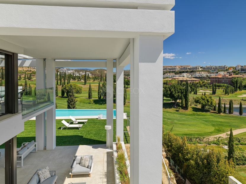 A contemporary luxury villa for sale at Los Flamingos golf, Benahavis
