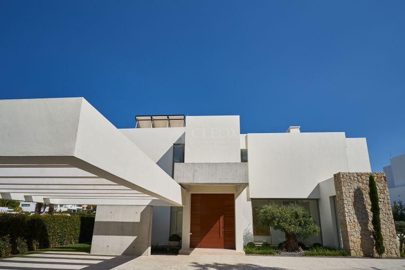New luxury villa for sale in Benahavis
