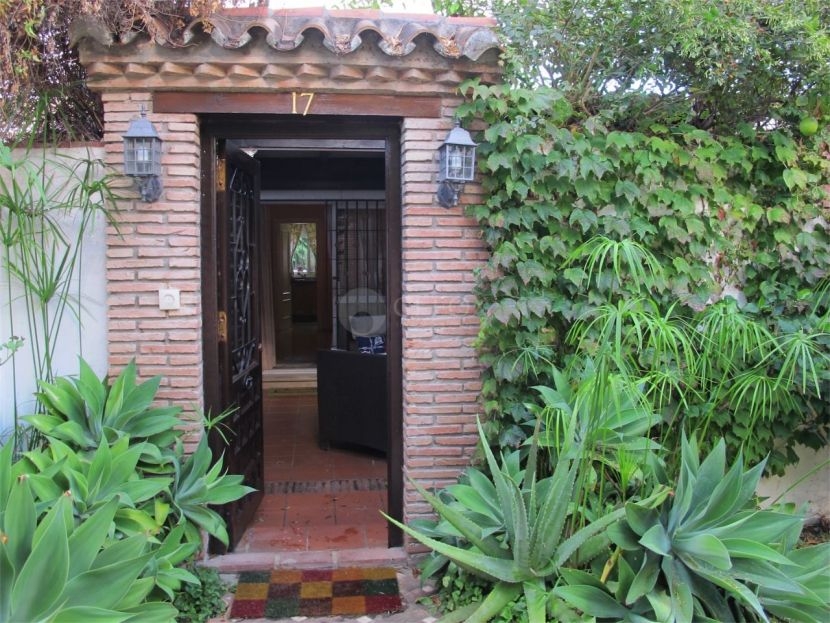 Bungalow for sale in El Saladillo, Estepona