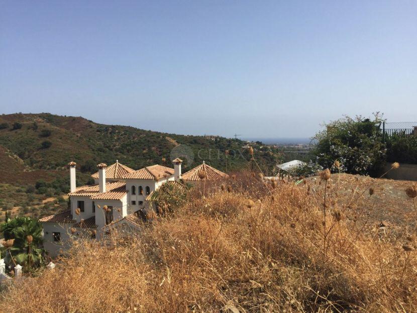 Plot for sale in Lomas de La Quinta, Benahavis