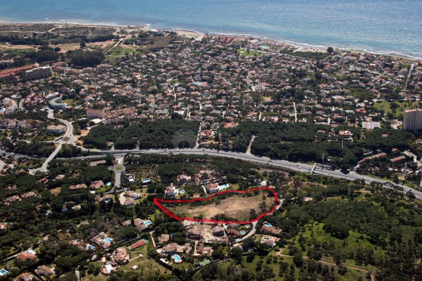 Development Land for sale in Hacienda las Chapas, Marbella East, Marbella