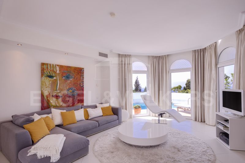 Beautiful apartment with private pool, Marbella Hill Club