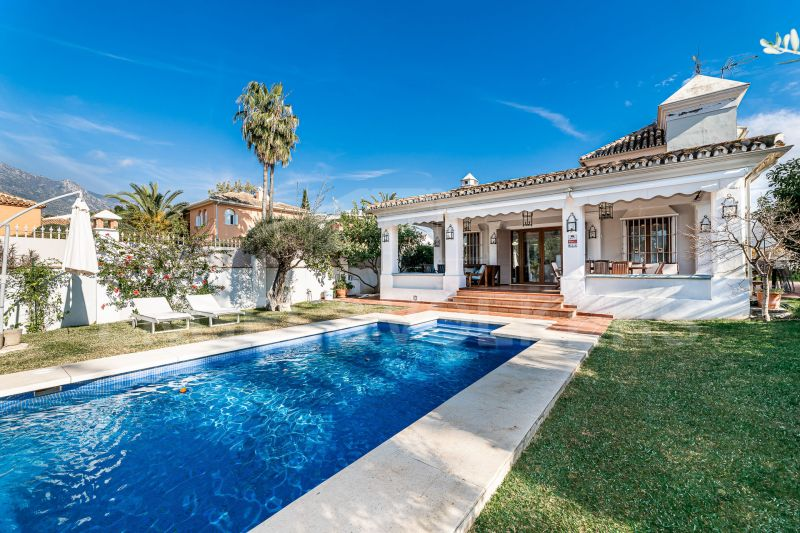 Villa on the Golden Mile Beachside in Casablanca