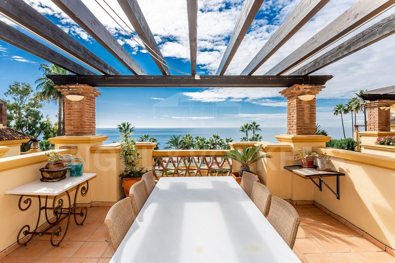 Exceptionally spacious frontline beach apartment in Rio Real Playa Marbella