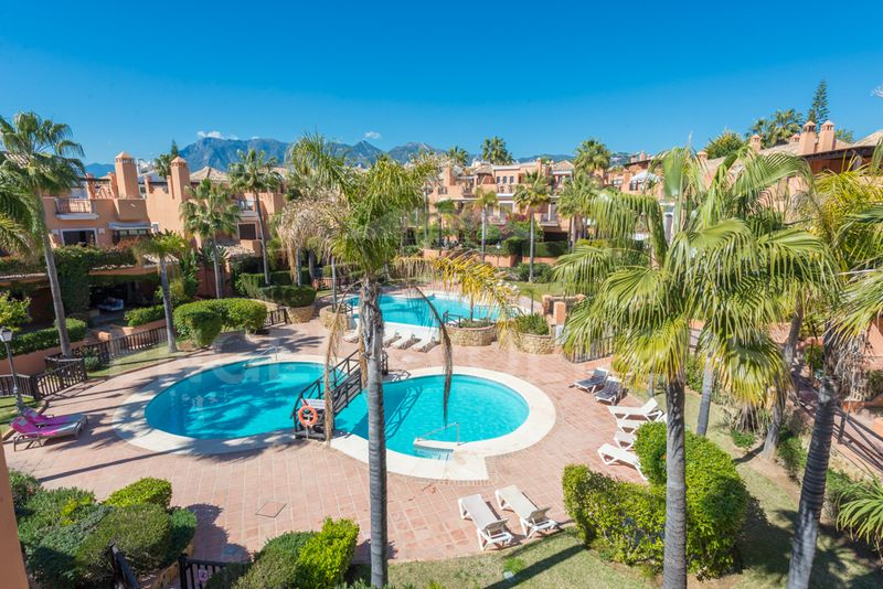 Only meters from the beach best priced townhouse in Bahía de Marbella