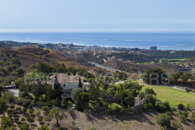 Villa with panoramic views for sale in Los Monteros