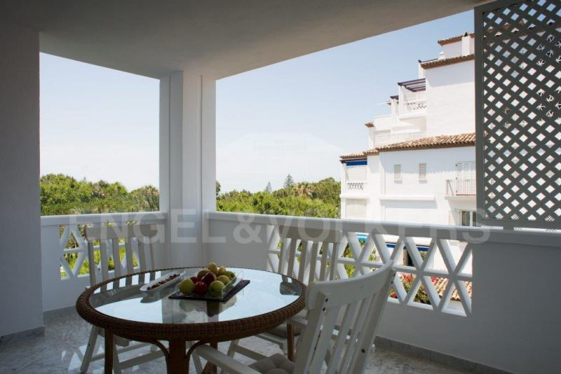 Spectacular penthouse with sea views in Puerto Banús