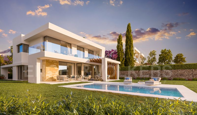 New villa project for sale in Santa Clara Golf Los Monteros Marbella