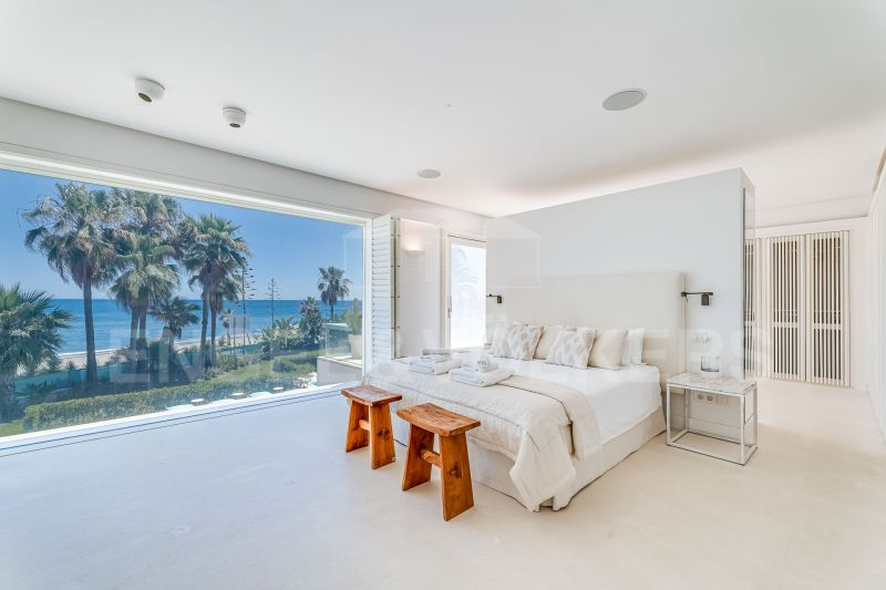 Contemporary frontline beach Villa, Beach Side Golden Mile