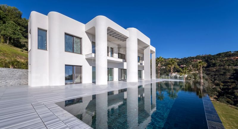 Unique Contemporary Luxury Villa with panoramic sea views in La Zagaleta, La Zagaleta