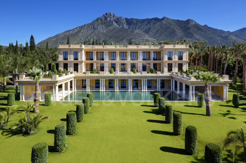 Palatial Villa on Marbella's Golden Mile with Panoramic Sea Views