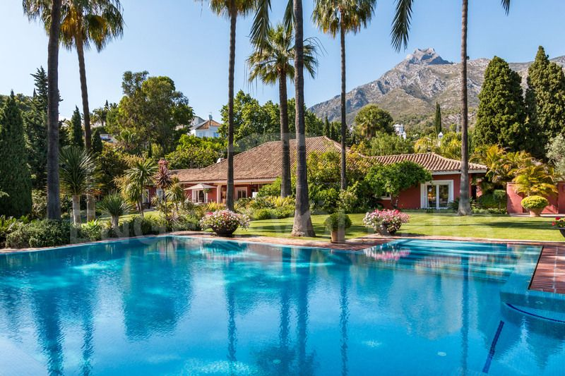 Magnificent Estate in Marbella Hill Club