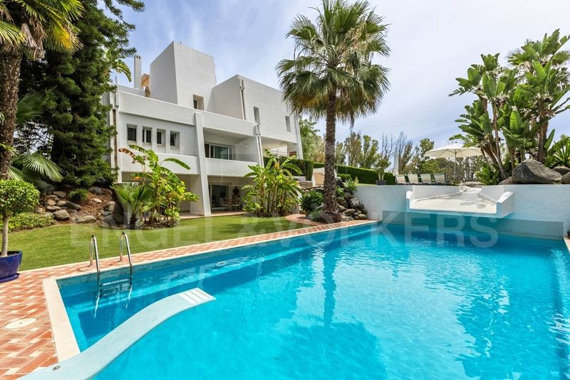 Contemporary Villa Located in the Prestigious La Cerquilla