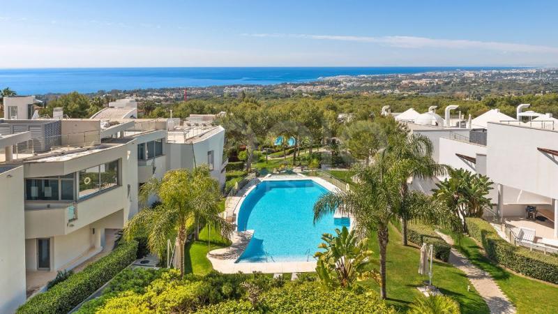 Semi-fritliggende villa til salg i Meisho Hills, Marbella Golden Mile