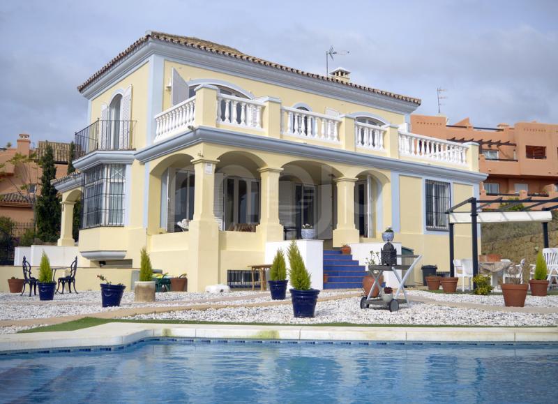 Villa til salg i Bahia de Casares