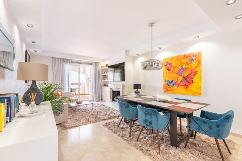 Apartamento en venta en Aloha Royal, Marbella