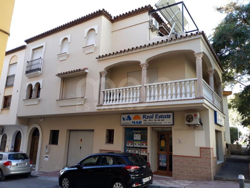 Hus i byn till salu i Estepona Centro