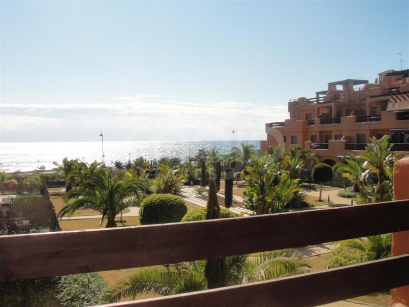 Impressive apartment facing the sea, Playa del Ángel Estepona!
