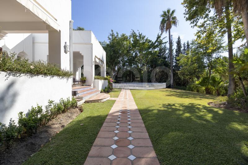 Villa till salu i El Paraiso, Estepona