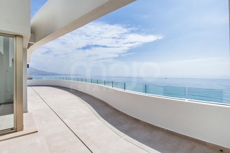 Buitengewone penthouse met zeezicht, op loopafstand van het strand