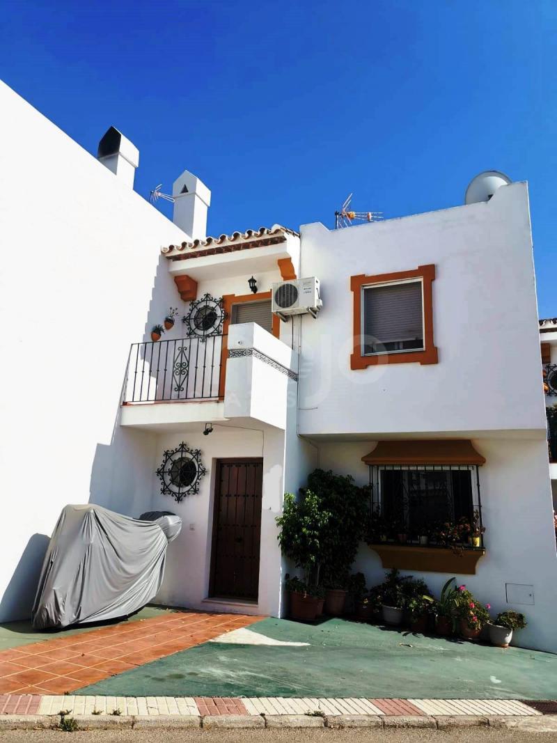 Radhus till salu i Los Reales - Sierra Estepona