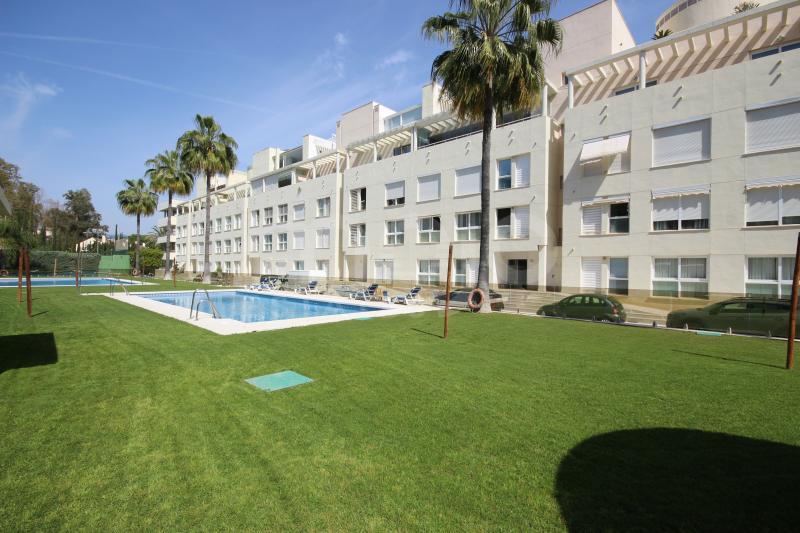 Lägenhet till salu i La Corniche, Nueva Andalucia