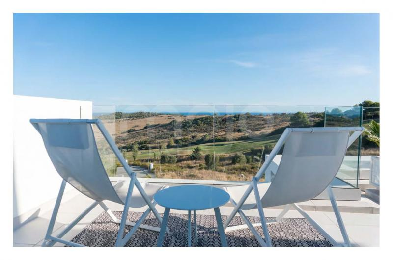 GREAT INVESTMENT NEW CONTEMPORARY 2 BEDROOM APARTMENT CLOSE TO ESTEPONA GOLF