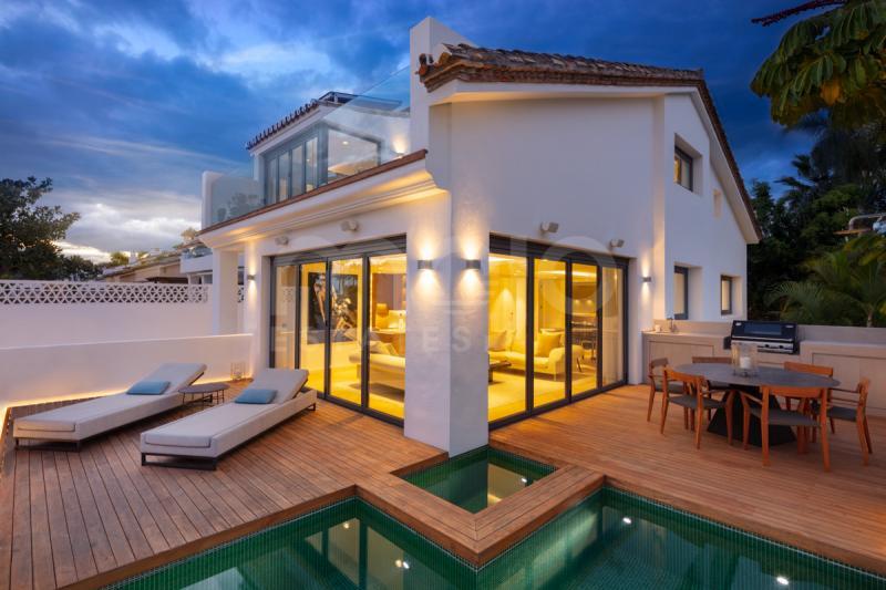 Villa en venta en Puente Romano, Marbella