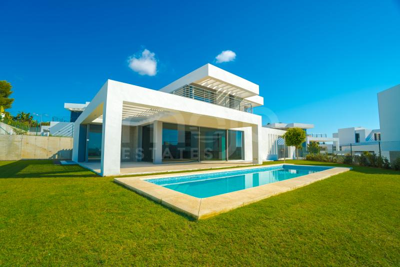 Villa en venta en Cancelada, Estepona