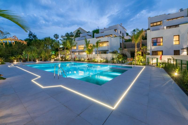 STUNNING 3 BEDROOM DUPLEX PENTHOUSE ON EXCLUSIVE GOLDEN MILE MARBELLA