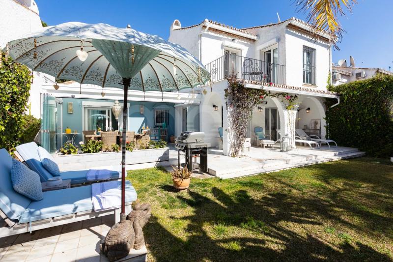 Villa te koop in Benamara, Estepona