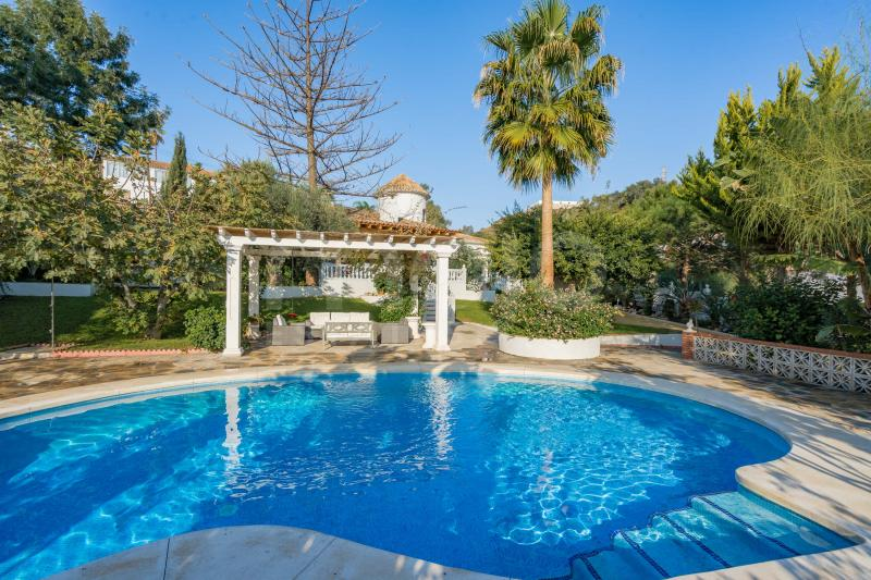 Villa à vendre dans Las Lagunas, Mijas Costa