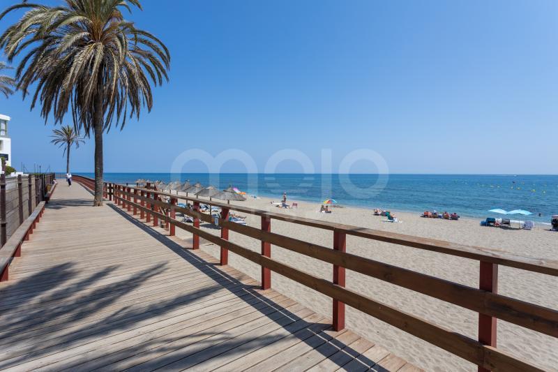 Appartement te koop in Calahonda Playa, Mijas Costa