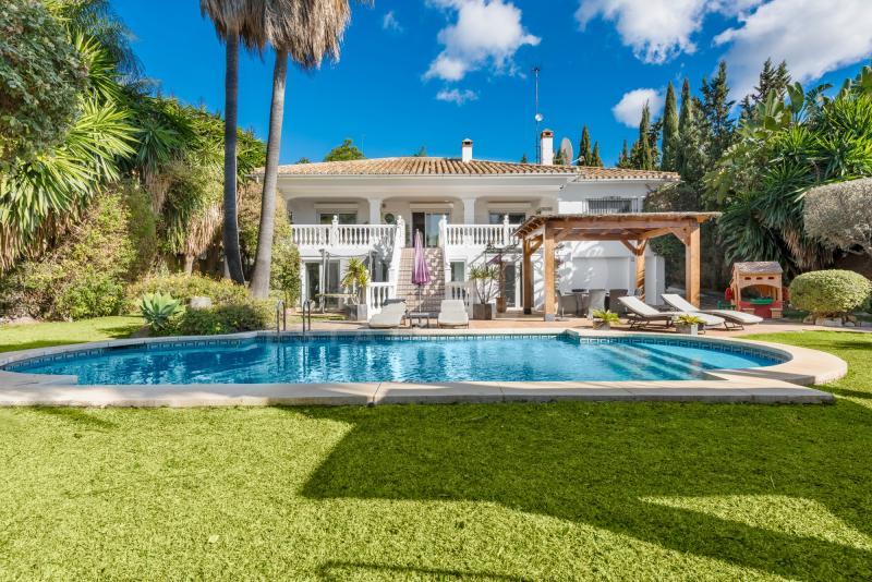 Fabulosa y totalmente renovada villa en la urbanización de Sierrezuela!
