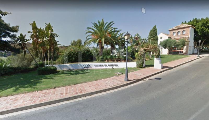 LARGE PLOT IN LA CALA GOLF WITH BEAUTIFUL GOLF VIEWS!