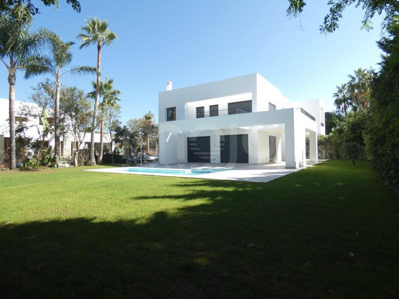 Villa till salu i Estepona