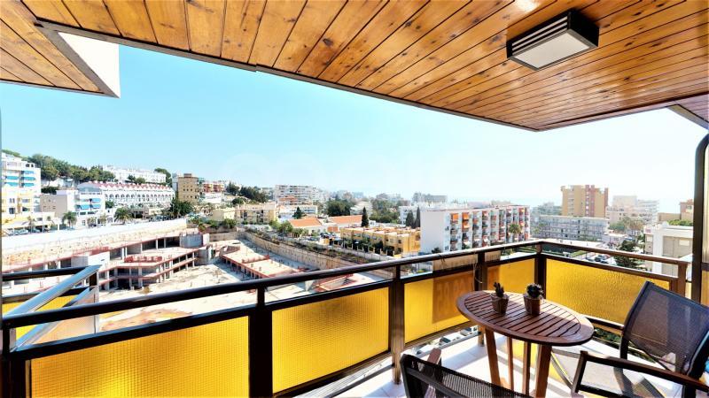 Apartamento en venta en La Carihuela, Torremolinos