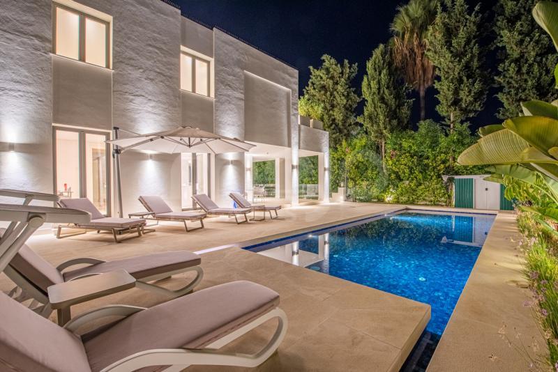 Villa à vendre dans Cortijo Blanco, San Pedro de Alcantara