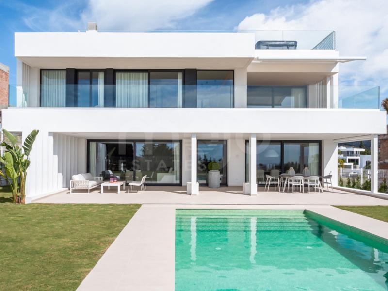 Nueva promoción de villas contemporáneas con vistas al mar