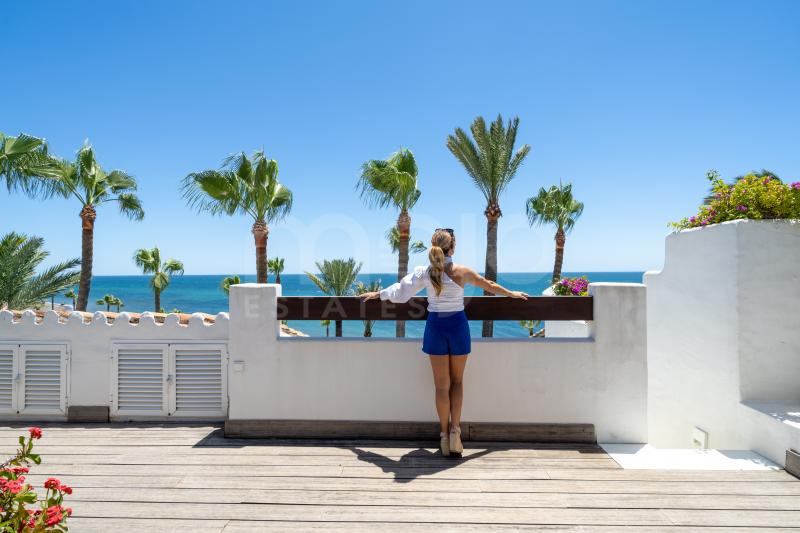 Exclusive frontline beach penthouse on the New Golden Mile