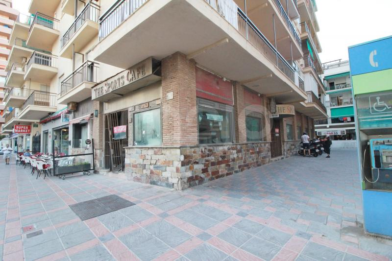 HUGE COMMERCIAL PREMISE JUST 50 METERS FROM THE BEACH IN FUENGIROLA