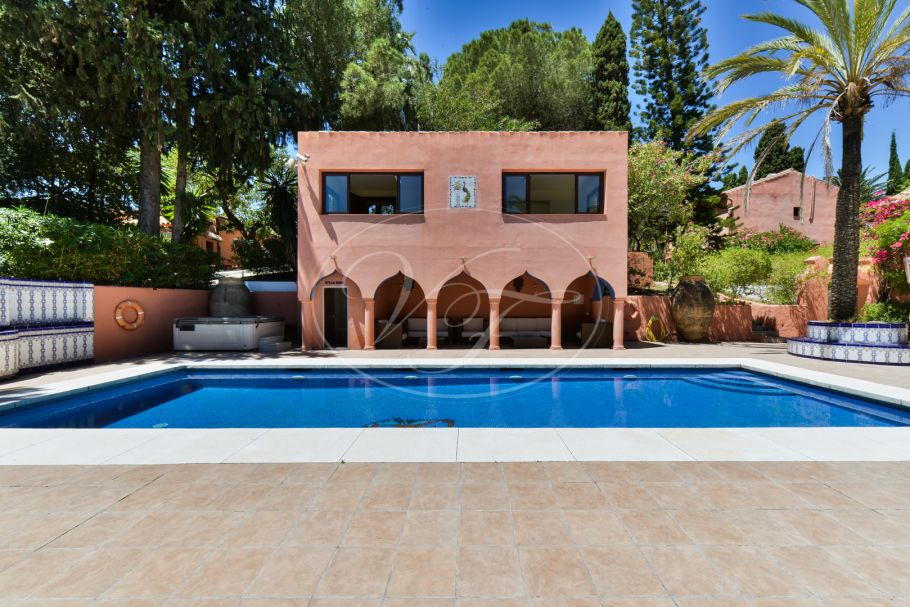 Country villa with stables, Estepona